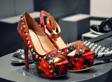 shoes-756616_1920